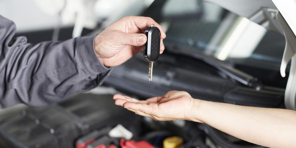 Autowerkstatt Kundenschlüssel Auto übergeben